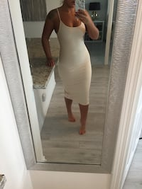 Cream/beige cocktail dress (size small) Toronto, M1P 5C4