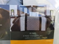 7 piece King comforter bed in a bag*new* London