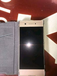 smartphone Android Sony Xperia blanc