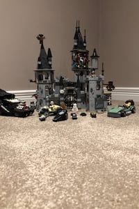 Haunted house lego set with characters  Toronto, M1L 0E4
