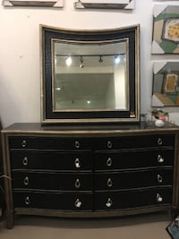 Great quality Chest of Drawers with Mirror
