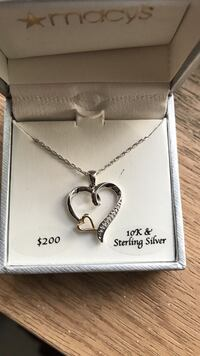 10-karat sterling silver curb link necklace with diamond encrusted heart pendant Lynnwood, 98036