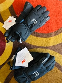 Ski Gloves Brand new