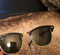 Ray-Ban RB3016 Clubmaster Vancouver, V6Z 1P5