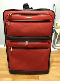 "Kenneth Cole Reaction 29"" Soft Lightweight Red Suitcase"