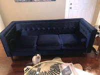 Royal blue couch  Houston, 77004