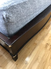 Solid wood queen bed Toronto, M6H 2E7