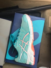 Brand new ASICS running shoes  Springfield, 22152