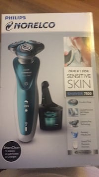 brand new norelco shaver 7 series Bakersfield, 93304