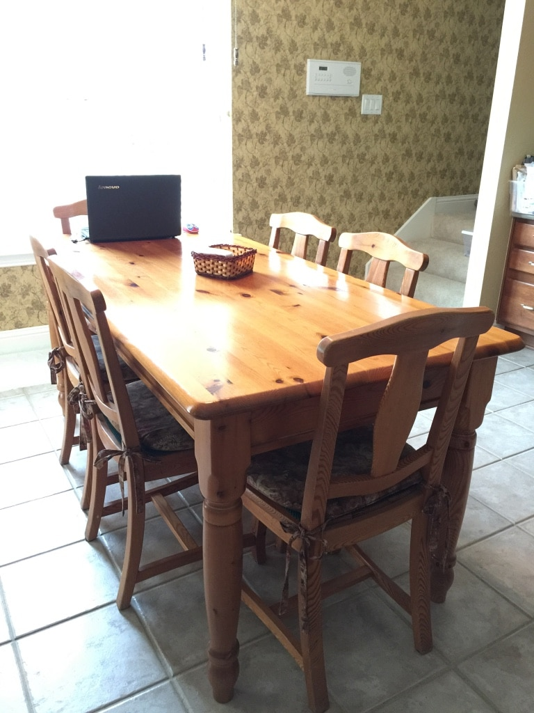 Used Breakfast table with six chairs for