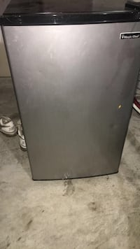 gray Magic Chef compact refrigerator 1166 mi