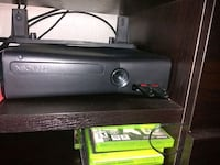 Xbox 360 slim 8gb whit 25+ games and 3 controls  Denver, 80229
