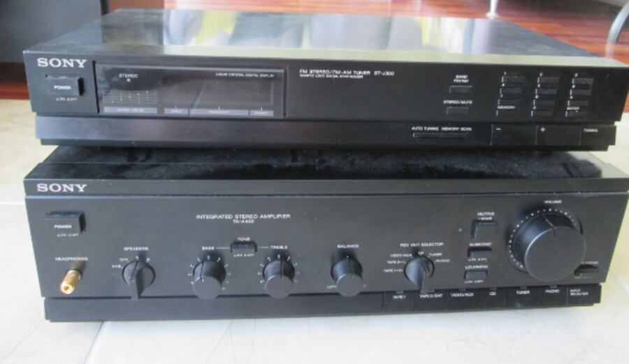 Sony AM/FM Stereo Tuner ST-J300 + Integrated Stereo 5cb57727-bf46-486c-a432-fba2cef810dc
