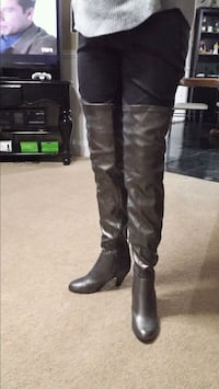 pair of black leather knee-high boots Altoona, 16602
