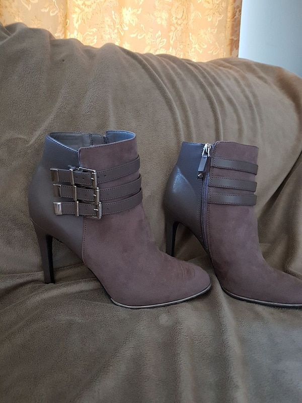 pair of gray suede-leather 2-tone booties