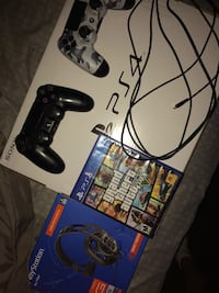 Ps4 All wires 2 remotes. Schenectady, 12303