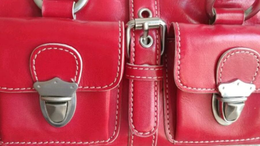Women's 100% genuine leather cherry red handbag (brand: Hype) 7ca9bbed-5550-4f0b-8a0d-d57186f46e97