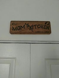 brown wooden Mom's Kitchen 24 hrs open signboard Niles, 44446
