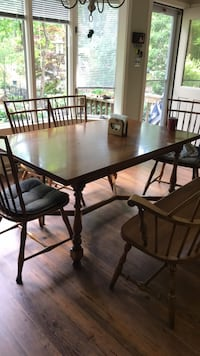 """Table (62"""" x 38"""") extends to 90 """" and 6 chairs Fairfax, 22032"""