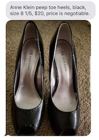 Pair of black leather pointed-toe heels ONLY SERIOUS BUYERS  Brandon, 39042