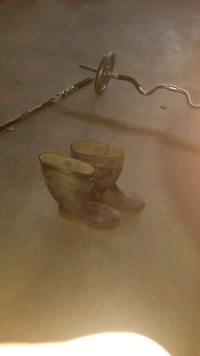 Boots rubber size 10 steel toe excellent