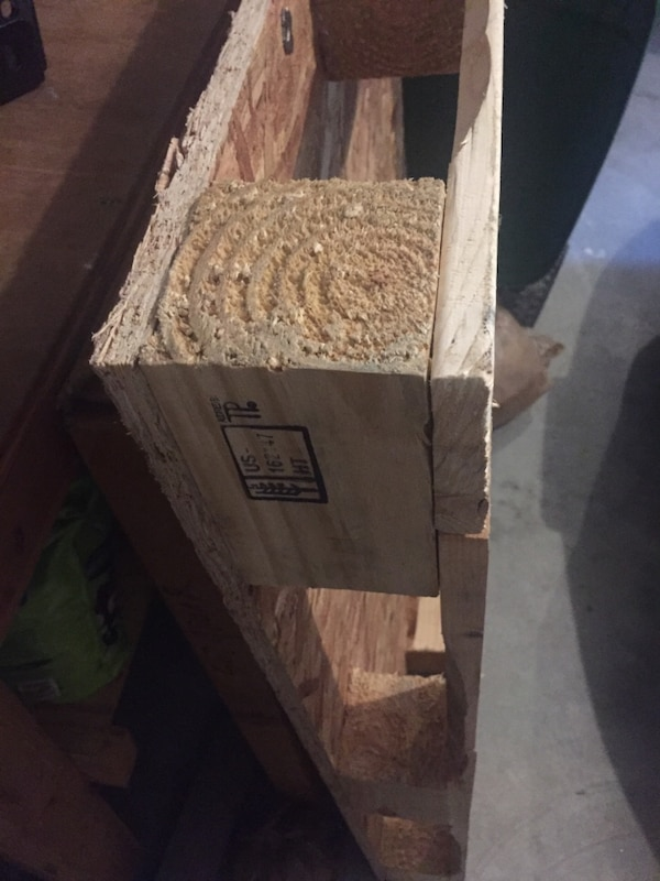 Used Wood shipping pallet for sale in Saratoga Springs - letgo