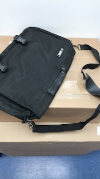 Black messenger laptop bag Vienna, 22180