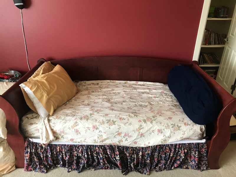 Twin Bed (Frame + Mattress) and Desk a3ee17f1-207e-473a-aef5-50760cba8a34