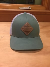 Columbia hiking hat size L Seattle, 98107