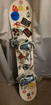 Woman snowboard Lara 145cm with bindings Vancouver, V6E 3N3