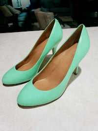 J.Crew womens shoes Heel Pumps light green Size 8 Milford, 06460