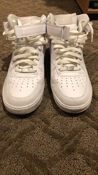 Mid top Air Force 1s size 11.5 2330 mi