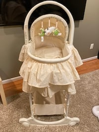 Bassinet with portable carrying bassinet Derwood, 20855