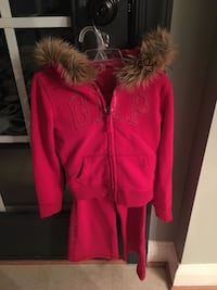 Girls size 6/7 Red GAP zip hoodie with pants  Centreville, 20120