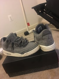 white-and-gray Air Jordan 3 shoes with box Clarksburg, 20871