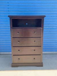 Dresser 4 drawers plus cubby real pinewood  Victorville, 92394