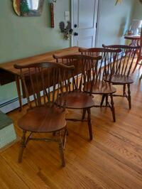 Vintage cherry drop leaf table and 4 chairs.  Germantown, 20874