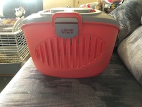 Excellent Condition Small Animal Carrying Case