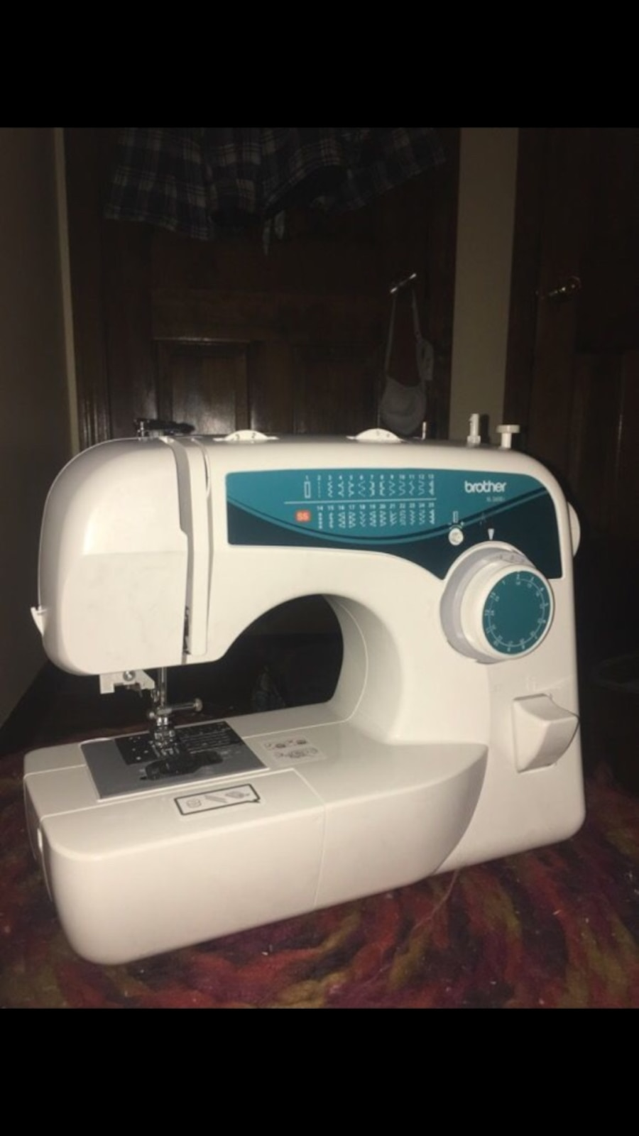 Used brother xl 2600i sewing machine in enfield for Machine a coudre xl 2600 brother