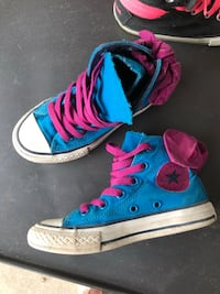 Girls converse size 11 with bow Linden, 48451