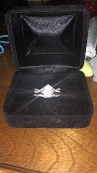 Sterling silver engagement ring set  Richmond Hill, 31324