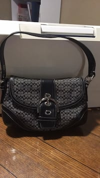 Coach bag in excellent condition 6 1/2 tall  10 long  Harpers Ferry, 25425