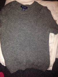 Gray crew-neck sweater by the Limited Sterling Heights, 48313