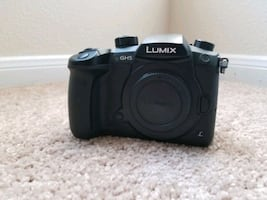 Panasonic Lumix GH5 with extras