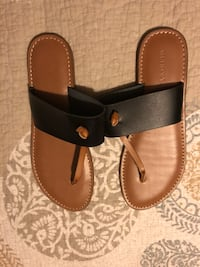 pair of black-and-brown leather sandals New York, 10463