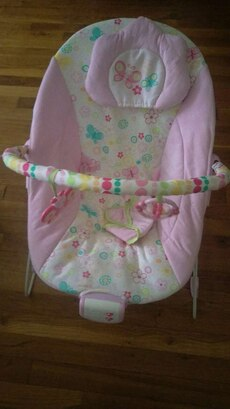 pink,white,green polka dot bouncer chair