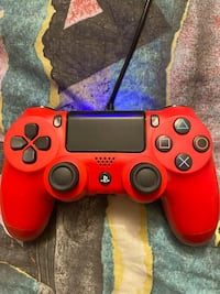 PlayStation 4 controller - Red