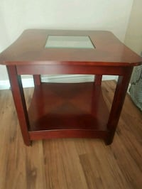 Rectangular brown wooden side table Sudbury, P3B 1H5