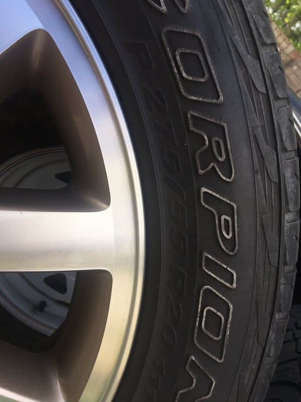 King ranch wheels 20s and stock tires 4ef3142b-36e1-4dab-9030-fdf846a6cf05