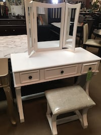 White Vanity Set  Santa Fe Springs, 90670